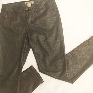 Democracy Justice Jegging Size 4 Brown